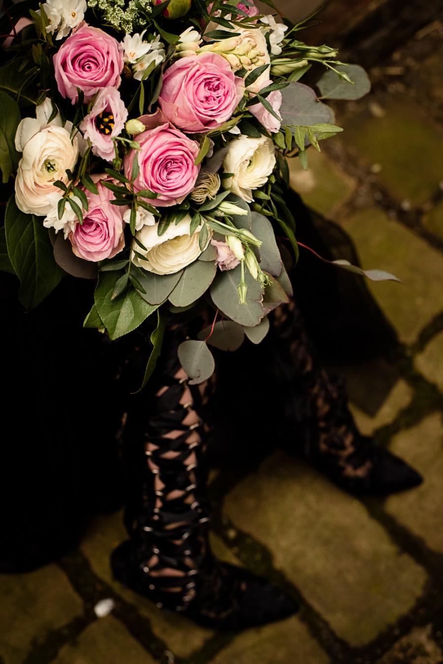 gothic city wedding - pink wedding bouquet - alternative wedding - unconventional wedding