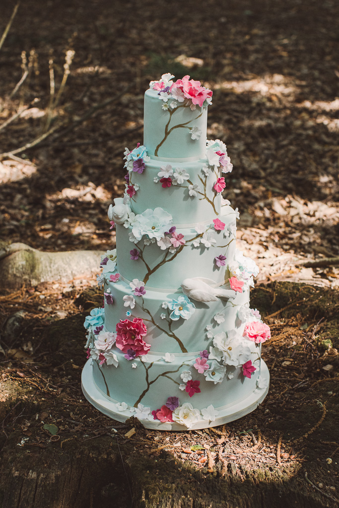 floral wedding cake - detailed wedding cake - unique wedding cake - whimsical wedding cake - unique wedding cake ideas - unconventional wedding