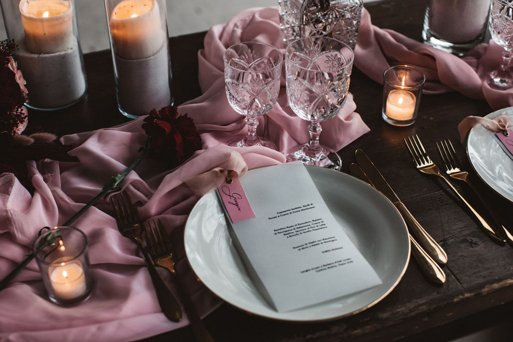 modern industrial wedding - alternative wedding - unconventional wedding - edgy wedding - pink wedding table - modern wedding table styling - gold wedding cutlery