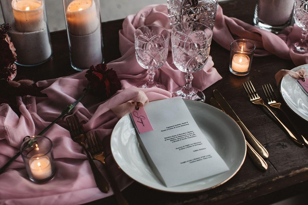 modern industrial wedding - alternative wedding - unconventional wedding - edgy wedding - pink wedding table - modern wedding table styling - gold wedding cutlery