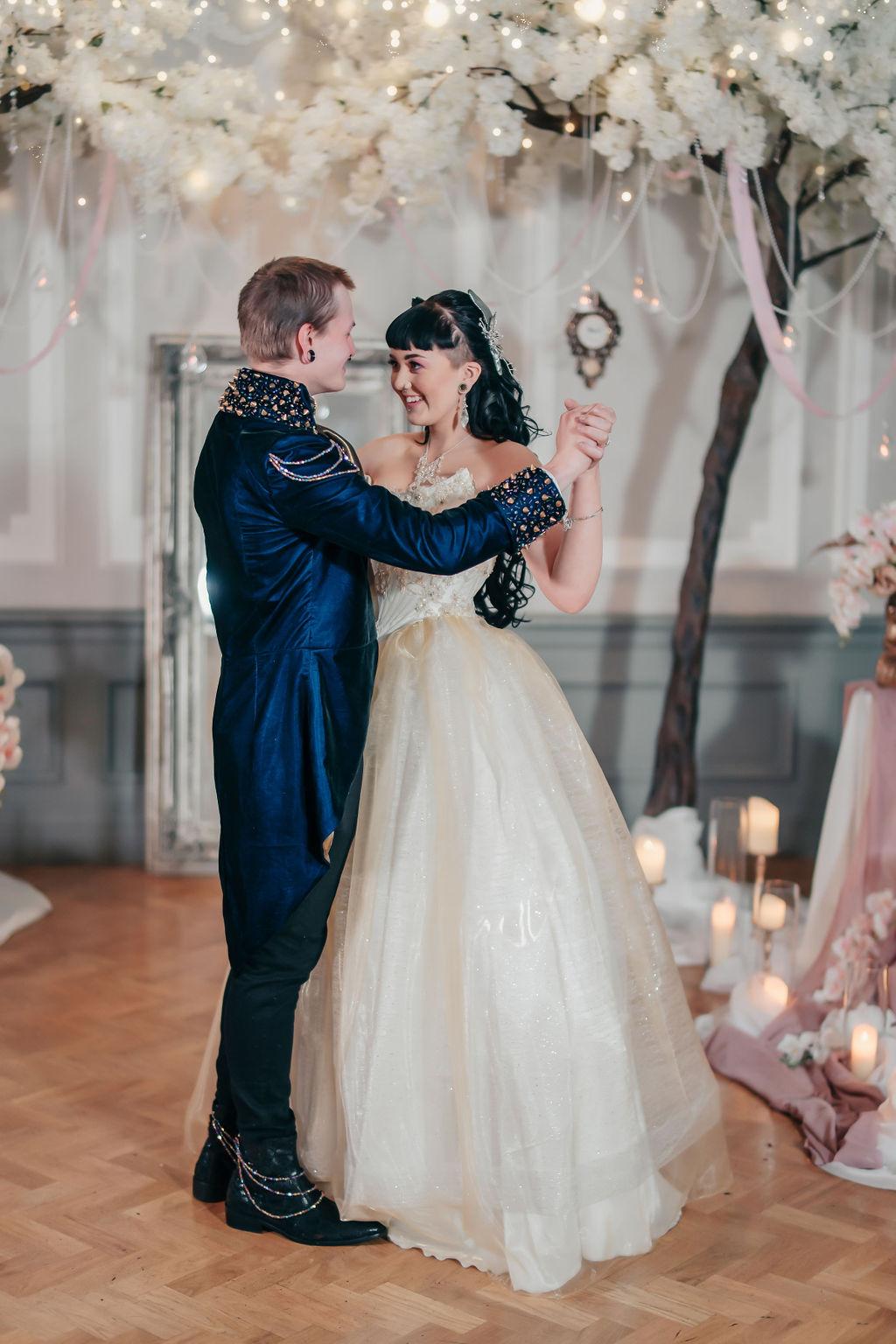 Couple dancing at their fairytale wedding day - labyrinth themed wedding by doodah photography