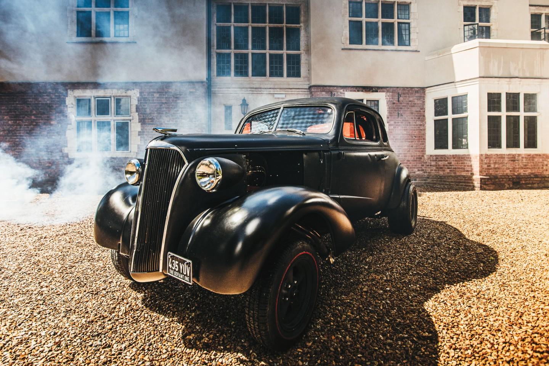 peaky blinders wedding - vintage wedding - 1920s wedding - themed wedding inspiration - vintage wedding car