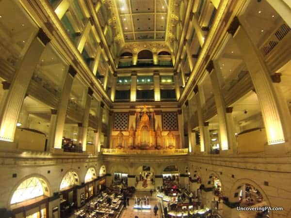 The beautiful Wannamaker Organ in the center of Macy's Department Store in Philadelphia, Pennsylvania.