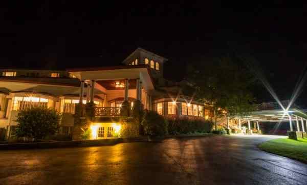 Historic Summit Inn Review