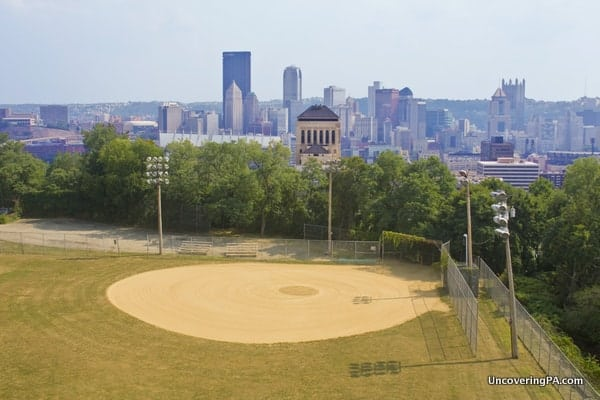 Best photography spots in PIttsburgh - Fineview Overlook