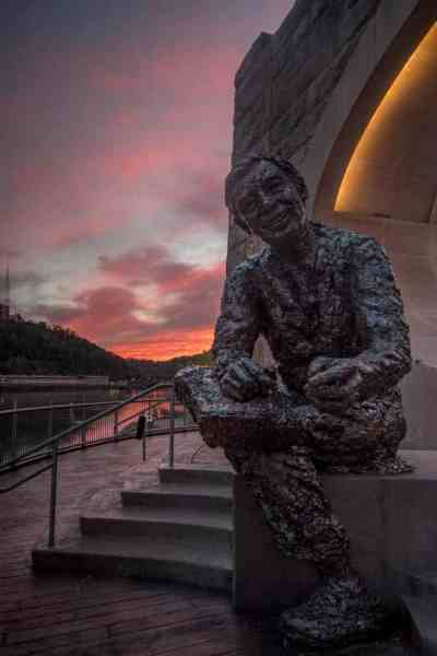 Sunset spots in Pittsburgh: Mr. Rogers Statue