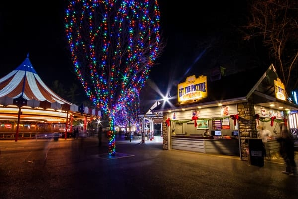 christmasy towns in pa hershey