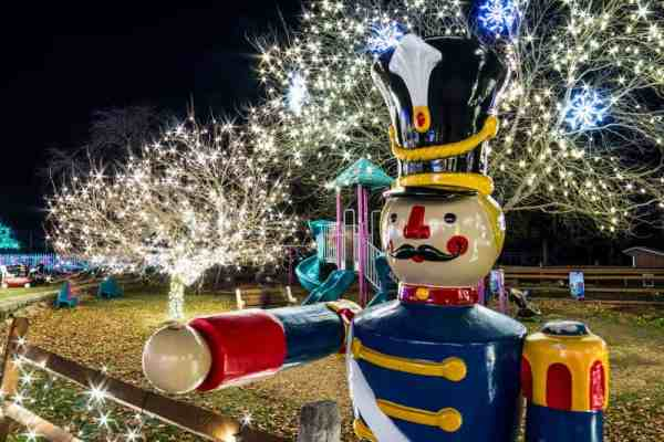 The Winter Light Spectacular is a great thing to do in PA in December.