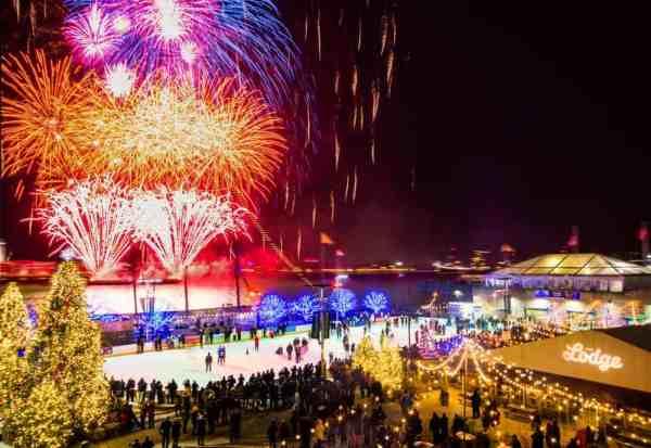 New Year's Eve fireworks in Philly over Penn's Landing