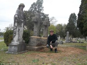 Illustration 3: Dylann Roof at the grave of Joshua Ensor in Elmwood Cemetery, Columbia, South Carolina. Photograph from Roof's website.