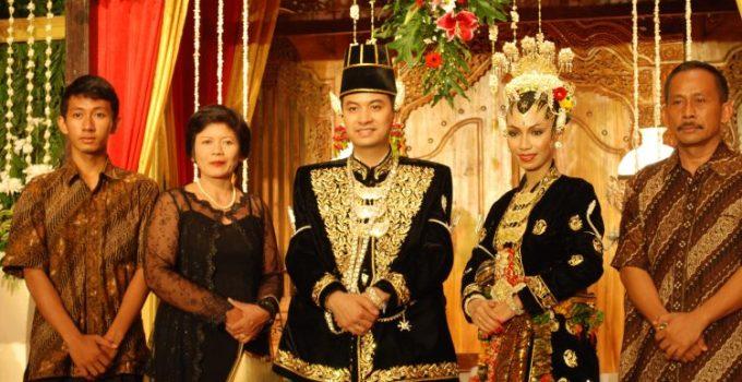 Gambar pernikahan adat jawa