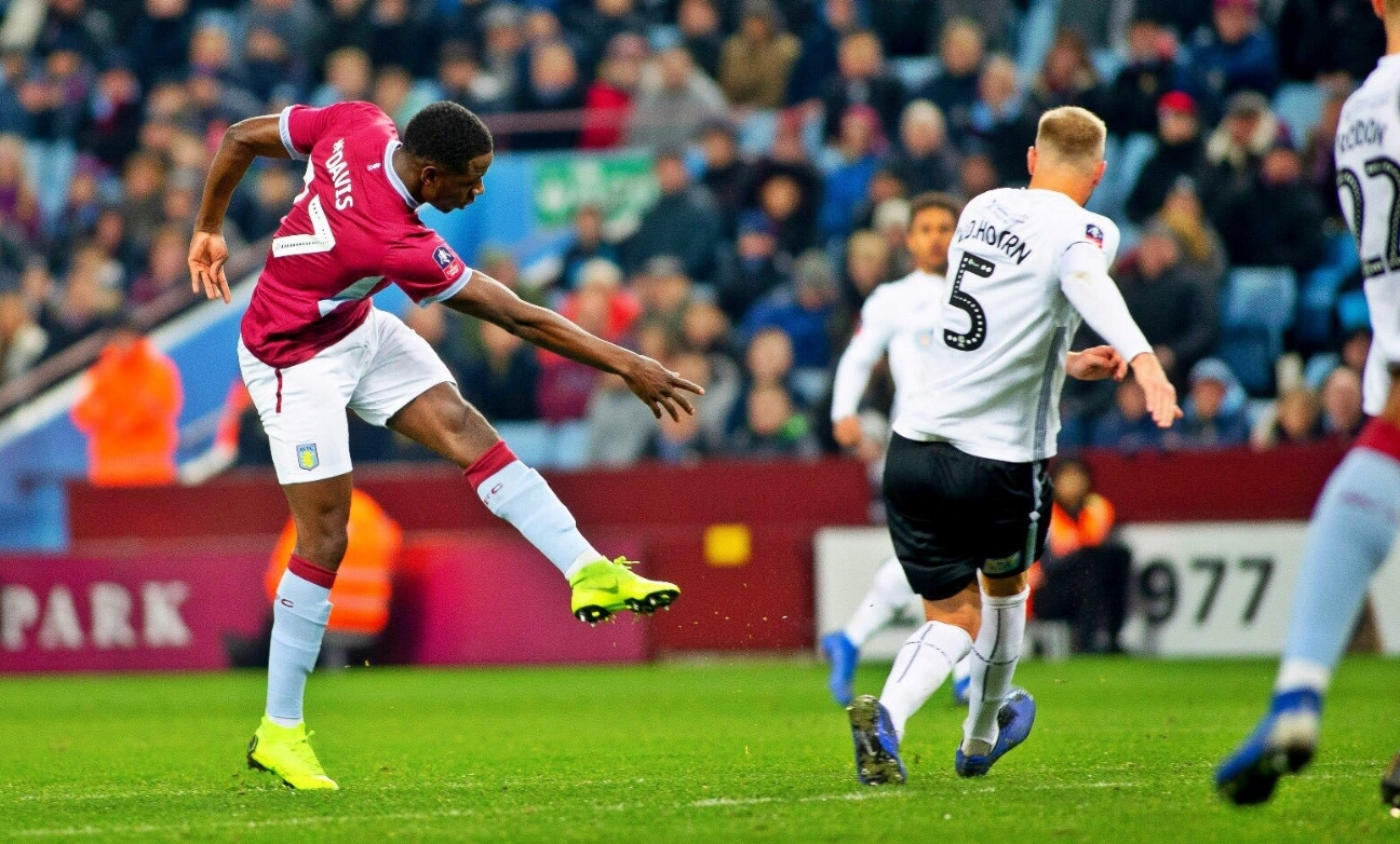 Keinan Davis is Being Criminally Overlooked at Aston Villa