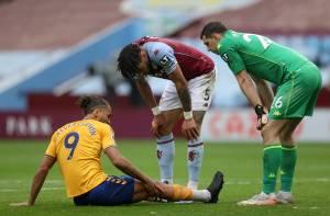 Martinez matches record & Grealish returns in Everton draw