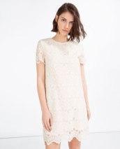 4. Spetsklänning