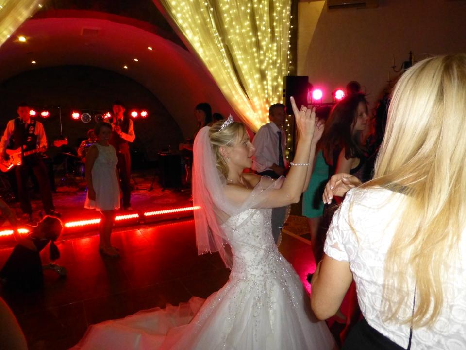 undercover_wedding_09