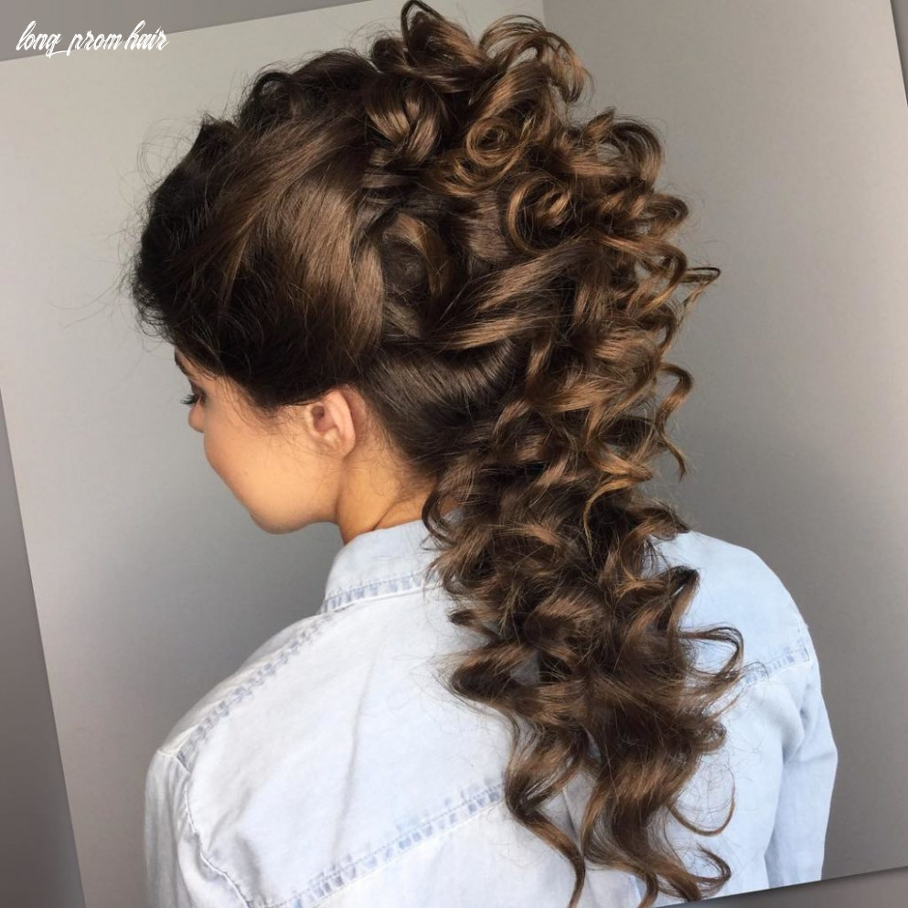 10 Outdo All Your Classmates with These Amazing Prom HairStyles