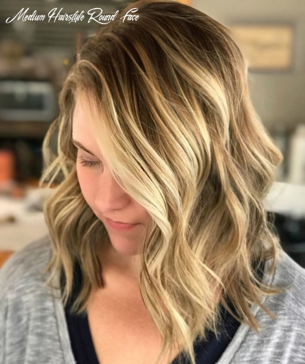 8 Flattering Medium Hairstyles for Round Faces in 8