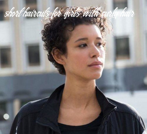 Short Haircuts For Curly Hair: 11 Haircuts For Any Curl Pattern