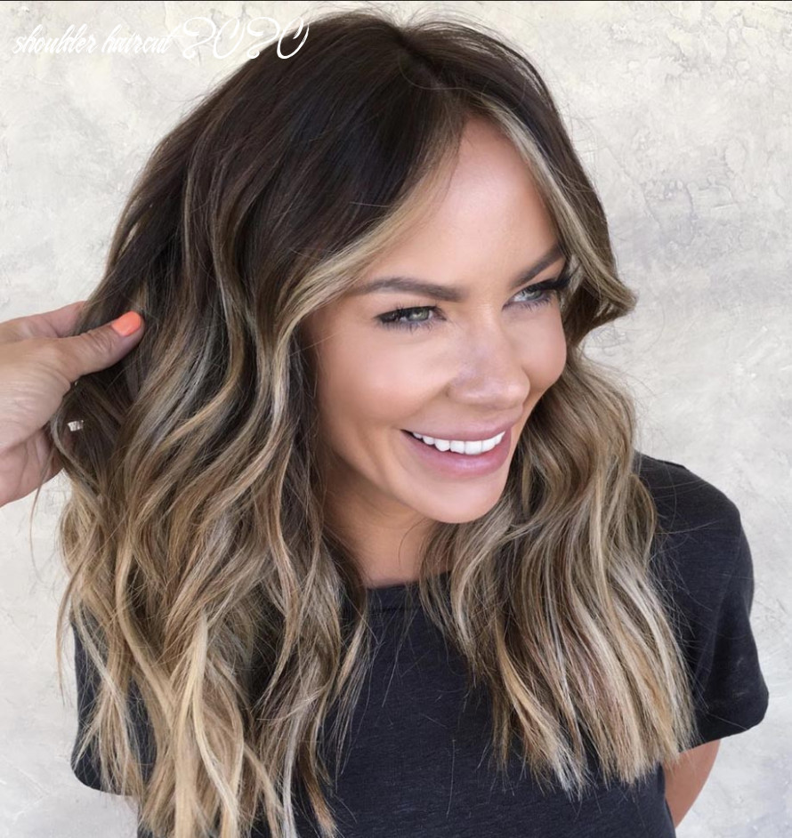 The Most Flattering Medium-Length Brown Hairstyles To Try in 9 ...