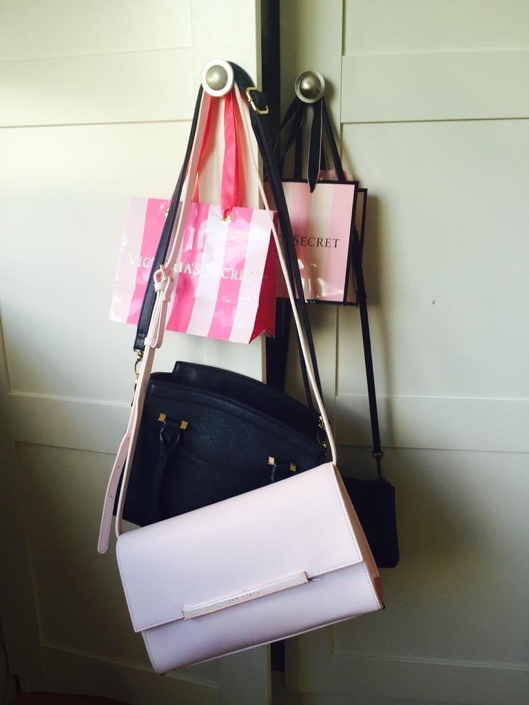 [網購] TED BAKER 的夢幻淡粉紅色肩包