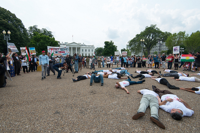 Demonstrators in front of the White House call for greater US intervention to save Iraqi minorities in Aug 2014. Source: Robert Lyle Bolton via Flickr