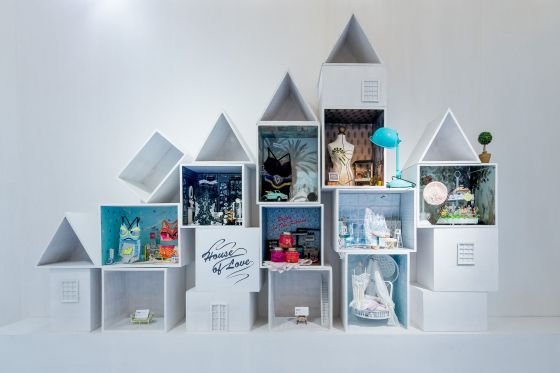 The House of Love project created by lingerie designer Ying Fei Wang decorated the Trend Forum: miniature rooms illustrated the motivations and emotions of modern, young Chinese women