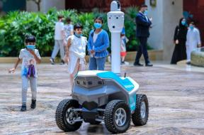 CoronaVirus_Security_YasMall_Robot_TheNational