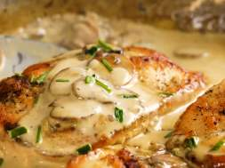 Chicken Breast in Creamy Mushroom Sauce
