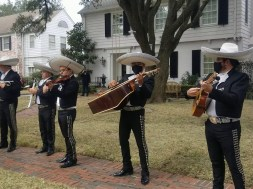 """""""There's a mariachi band performing outside of Ted Cruz's house"""" links"""