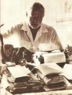 Hemingway Cat and Typewriter