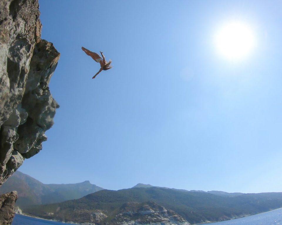 La corse en van pour plonger Première session au Rocher Giótani, dans le Cap Corse  Laura Marino Undersurface