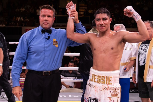 Vargas Stops Soto Photo Lina Baker