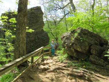 clifty falls cake rock