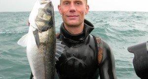Johan with good seabass Morten Villadsen e1449777185698 - 009 Havbars med harpun