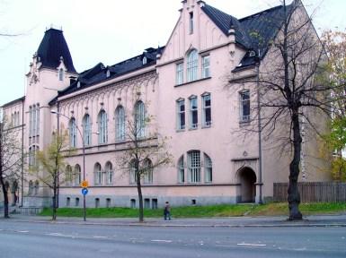 Wivi Lönn, Escuela de niñas Tampere, 1899