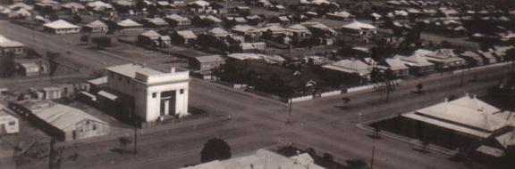Elina Mottram, Templo Masónico, Longreach, 1930