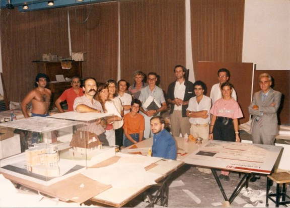 Martha Levisman, equipo de la exposición sobre Bustillo, Liernur, Ballent, Pschepiurca, Campolonghi, Cuniolo, Ten Hoeve