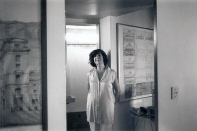 Martha Levisman en su estudio, 1990