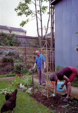 Sarah Wigglesworth, Jeremy Till - Huerto en Vivienda y Estudio en 9/10 Stock Orchard Street, Islington, North London, 2001