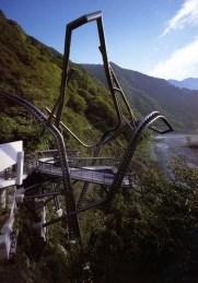 Benedetta Tagliabue . EMBT. Pabellón de meditación, Unazuki, Japón, 1993.