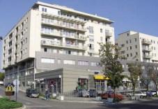 Ksenija Bulatović. Edificio Residencial y Comercial Vidikovac
