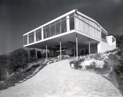 Lina Bo Bardi. Casa de Vidrio, Morumbi, Sao Paul. 1951