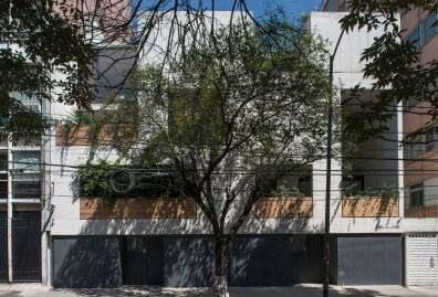 Gabriela Etchegaray y Jorge Ambrosi, Edificio Campeche 415 (2012)