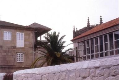 Pascuala Campos, vivienda propia en Pontevedra, 1990-1998