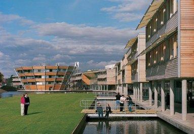 Patty Hopkins. Hopkins Architects. University of Nottingham: Jubilee Campus Nottingham, Reino Unido, 1999