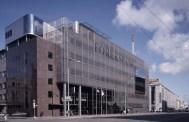 arika Lõoke y Jüri Okas (1996): Edificio Forekspank. Vista general, 1997.
