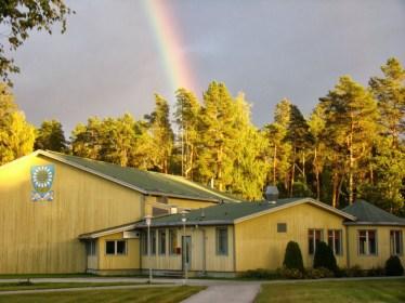 Maarja Nummert (2001): Escuela Primaria en Karu. Vista exterior