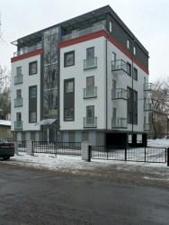 Mai Šein y Andrus Padu: Edificio de viviendas en Calle Koidula n.14, Tallinn. Vista exterior.
