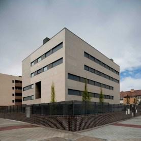 Carmen Espegel y Concha Fisac (2012): Edificio Zosma II, Fuenlabrada. Vista exterior.
