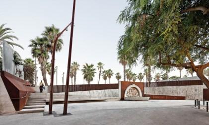 Lola Domènech, recuperación y mejora del entorno de la Fuente Carmen Amaya, Barcelona, 2011